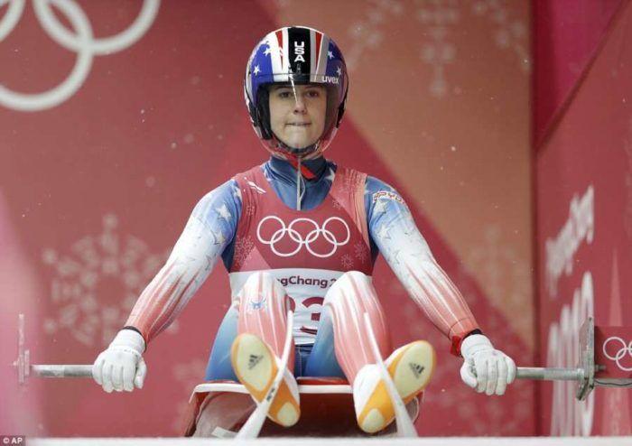 Ατύχημα-σοκ αθλήτριας στους Ολυμπιακούς Αγώνες που χτύπησε σε τοίχο  #ΧειμερινοίΟλυμπιακοίΑγώνες.