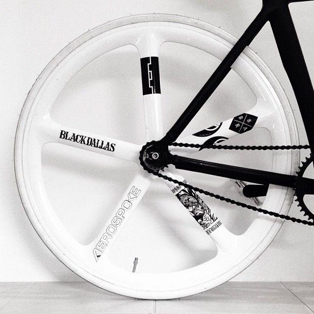 Nice aero wheel graphic