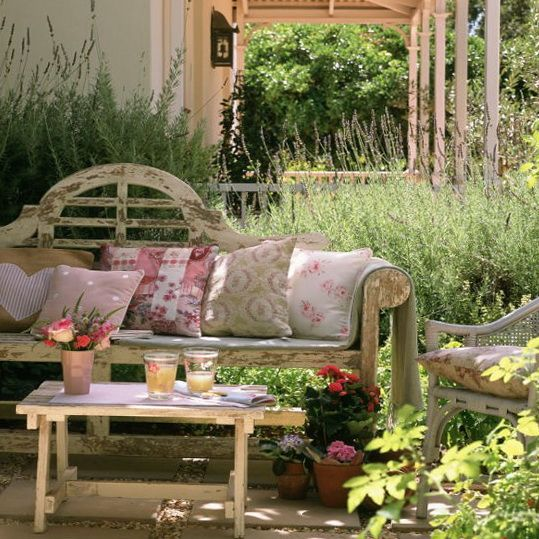 Shabby Chic Patio Garden