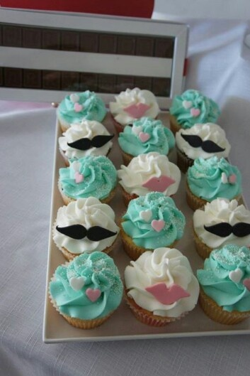 Lips and moustache cupcakes seafoam and pink hearts