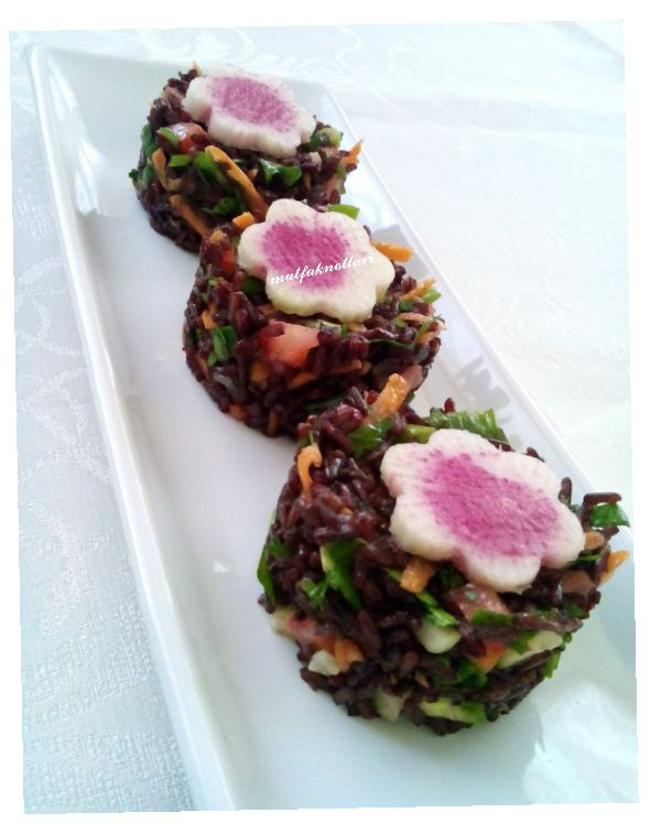 ! ! ! MUTFAKNOTLARI ! ! !: karapirinc ile pirinc salatasi &siyah pirinc