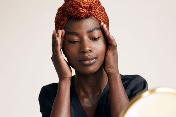 Here's How Dermatologists Smooth and Prevent Forehead