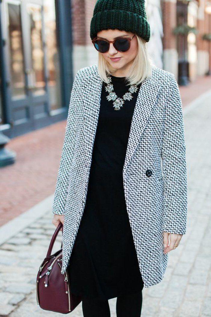 une tenue à la fois élégante et passe-partout, un manteau femme gris chiné et une robe noire à coupé droite