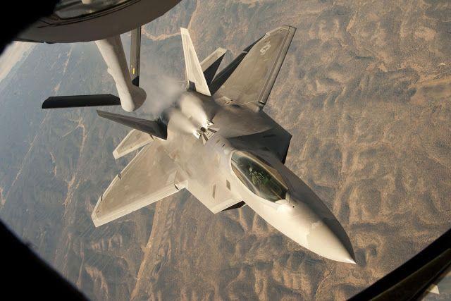 F-22 Raptor Just After Air Refueling Aircraft Wallpaper 4020