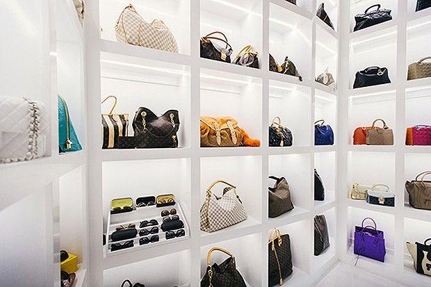 E mais algumas bolsas Louis Vuitton na coleção da americana (Foto: Chinh Phan/Neiman Marcus)