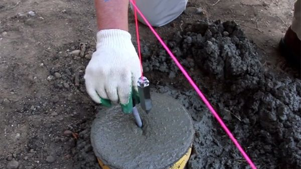 Learn the ins and outs of creating concrete footings for a deck or other outdoor projects.