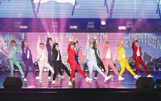 SEVENTEEN luar biasa!   Walaupun baru hadir dalam industri seni sejak 2015 kumpulan dari Korea Selatan iaitu SEVENTEEN barangkali tidak dipandang tinggi sebagaimana kumpulan EXO misalnya.  Bagaimanapun kumpulan dianggotai Wonwoo Yoon Jeonghan Lee Jihoon Kim Mingyu Vernon Boo Seungkwan Choi Seungcheol Hoshi The 8 Lee Seokmin Wen Junhui Joshua dan Lee Chan itu nyata berada di kelas tersendiri.  Diakui nama SEVENTEEN memang mesra di telinga peminat namun kurang menjadi sebutan. Namun peminat…