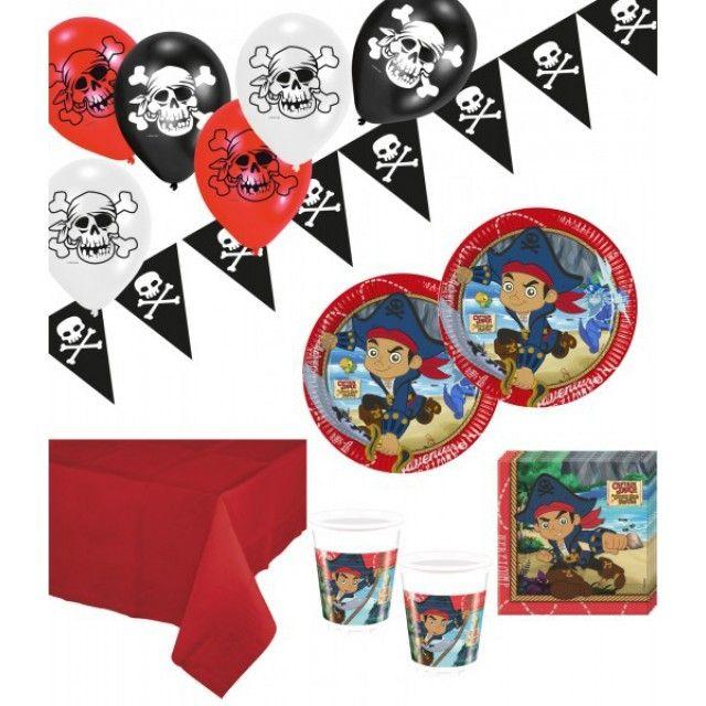 Disney's Käpt'n Jake und die Nimmerland PiratenXXL Party Deko Set für 16 Kinder beinhaltet die folgenden 60 Teile:16 x Käpt'n Jake Papp Teller 23 cm Durchmesser16 x Käpt'n Jake Plastik Becher 200 ml20 x Käpt'n Jake Servietten 33 x 33 cm (4/4 Falz gefaltet auf 16,5 cm)1 x Plastik Tischdecke in Klassisch Rot - 137 x 274 cm (leichte dünne Folie - Einwegware)6 x Jolly Roger Totenkopf Luftballons - 10inch - 25 cm Durchmesser1 x Jolly Roger Totenkopf Wimpelbanner aus Plast...