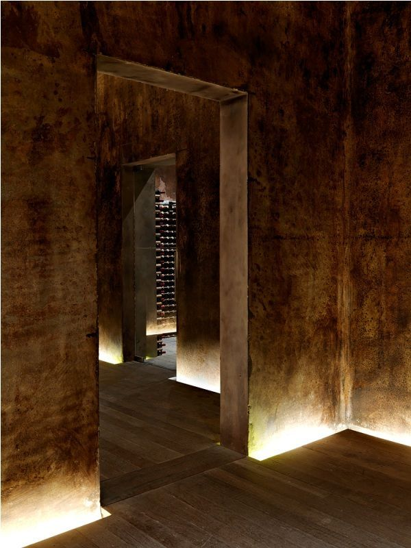 Yalumba Winery. Signature Cellars by Grieve Gillett. Tanunda, Australia.