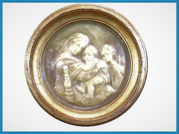 Tableau ancien en cire cadre bois doré scène de maternité