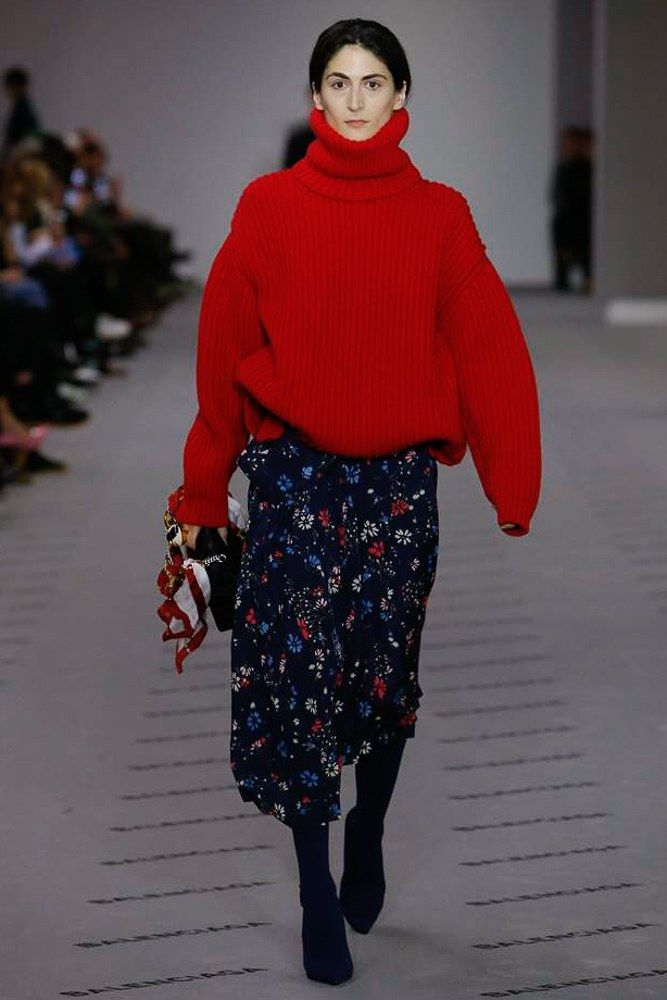 Balenciaga Fall 2017 Ready-to-Wear Collection Photos - Vogue