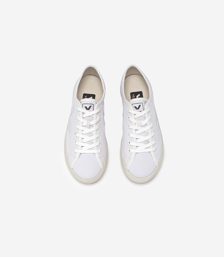 Vegan Veja sneakers in organic cotton