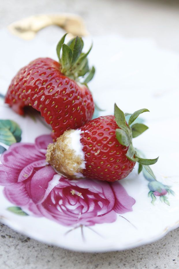 strawberries with sour cream and brown sugar treat for mom