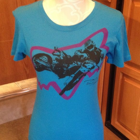 ⭐️ Fox Riders Co. Blue Tee size M Small stain on collar and slight pilling throughout. I do NOT trade. ⭐️Bundle 3 for $20 Fox Tops