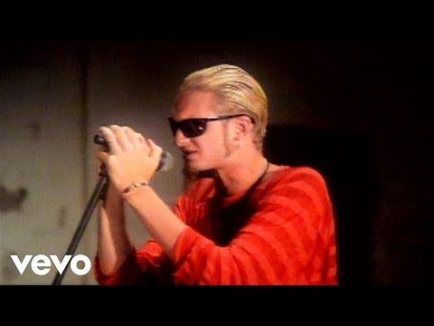 Stone Temple Pilots - Trippin' On A Hole In A Paper Heart (Video) - YouTube