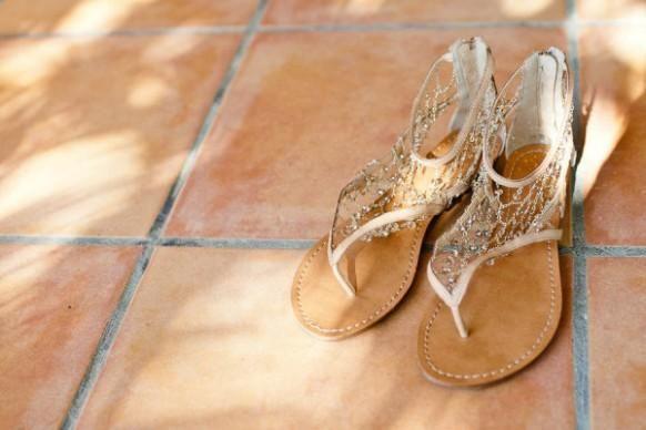 Weddbook ♥ Gold-Sekt Braut Sandalen mit Juwelen, chic