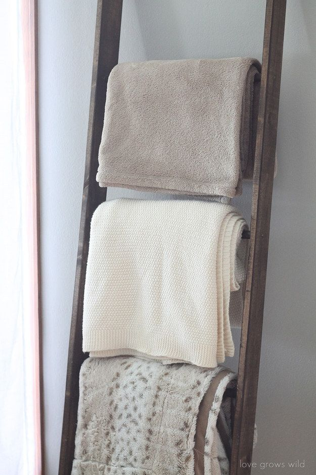 Blanket ladder   23 DIY Projects For People Who Suck At DIY