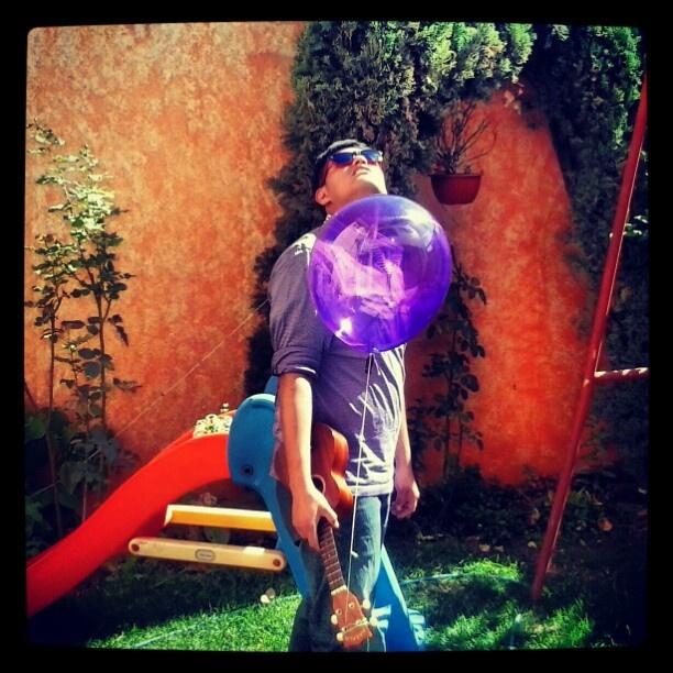 """Buscando a los tales """"Reyes Magos"""". #Instagramlele #villaukulele #ukulele - @edexcruz- #webstagram"""