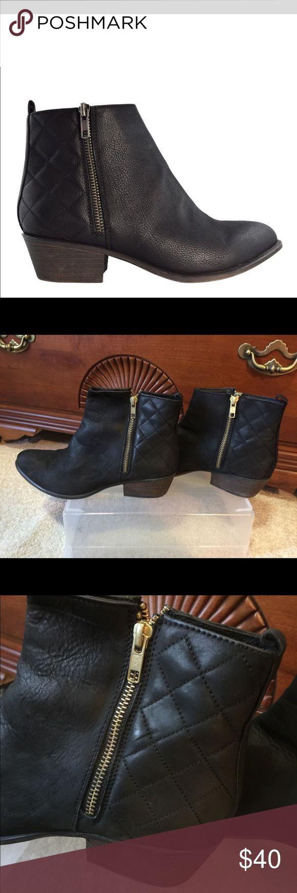 Steve Madden Black Boots Zipper Booties Leather 10 Great boots I just don't wear enough to keep. Purchased at Nordstrom. Zippers on both sides for ease of entry. Suede front. Quilted back.   In excellent shape Steve Madden Shoes Ankle Boots & Booties