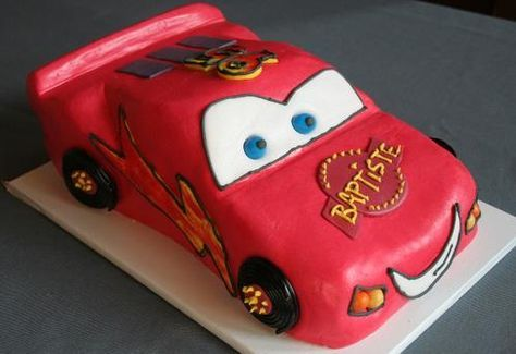 Gâteau CARS : Flash Mc Queen en 3D - La popotte de Manue http://www.lapopottedemanue.com/article-21557440.html