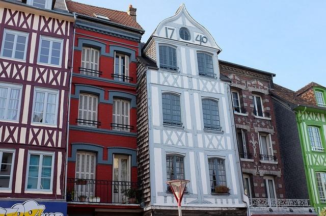 Vieilles façades d'Elbeuf, Seine-Maritime, Haute-Normandy.