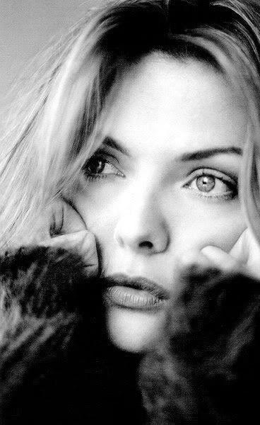 Michelle Pfeiffer, beauty, beautiful, bella, belleza, bello, bonita, bonito, people, gente, female, femenino, feminine, women, mujeres, woman, womanly, mujer, fashion, moda, trendy, B, black & white, black and white, blanco y negro, art, arte, photography, fotografia, fotografias, photograph, beauty photography, fotografia de belleza, fotografia de moda, fashion photograph