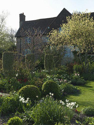 English Garden - Sandhill Farm House