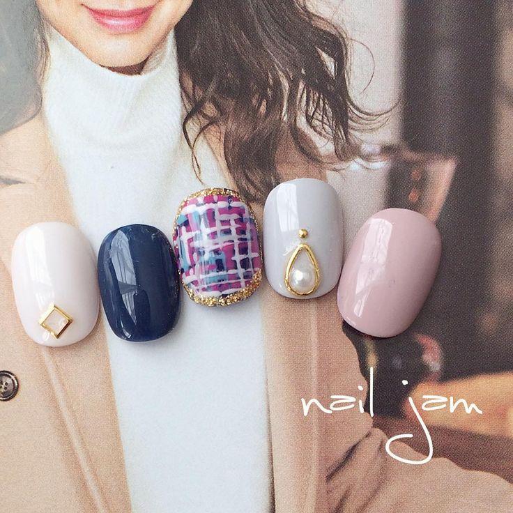 オトナツイード♡#nails#gelnails#nailart#nailstagram#nail#naildesign#fashion#winter#冬ネイル#ネイル#ネイルチップ#ネイルチップ販売#シンプルネイル#パーティーネイル#ネイルデザイン#ピンクネイル#ネイビーネイル#ツイードネイル#グレージュネイル#グレーネイル