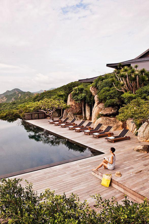 luxury travel company top tourist companies in vietnam - 587×880