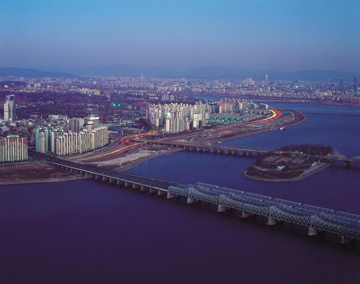 Hangang River - Seoul    http://www.visitkorea.or.kr   KOREA TOURISM ORGANIZATION