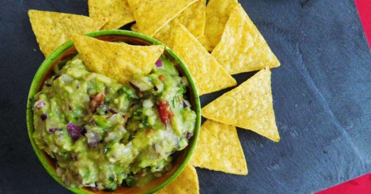 Guacamole. Spécialité mexicaine bien fraîche et délicieuse. A essayer absolument! . La recette par Djoudjou .