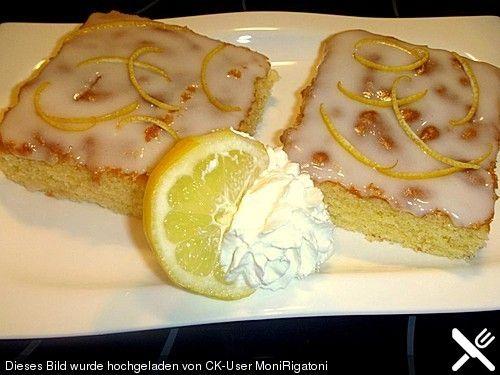 Saftiger Zitronenkuchen, ein raffiniertes Rezept aus der Kategorie Backen. Bewertungen: 579. Durchschnitt: Ø 4,6.
