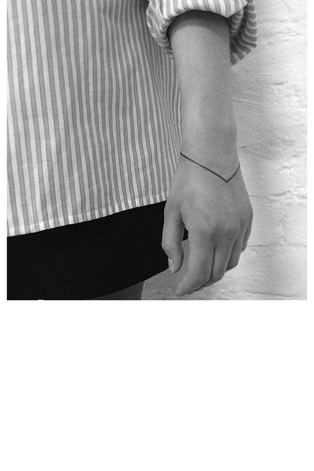 La ligne gravée façon bracelet