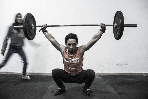 Manuel Molina weight lifting