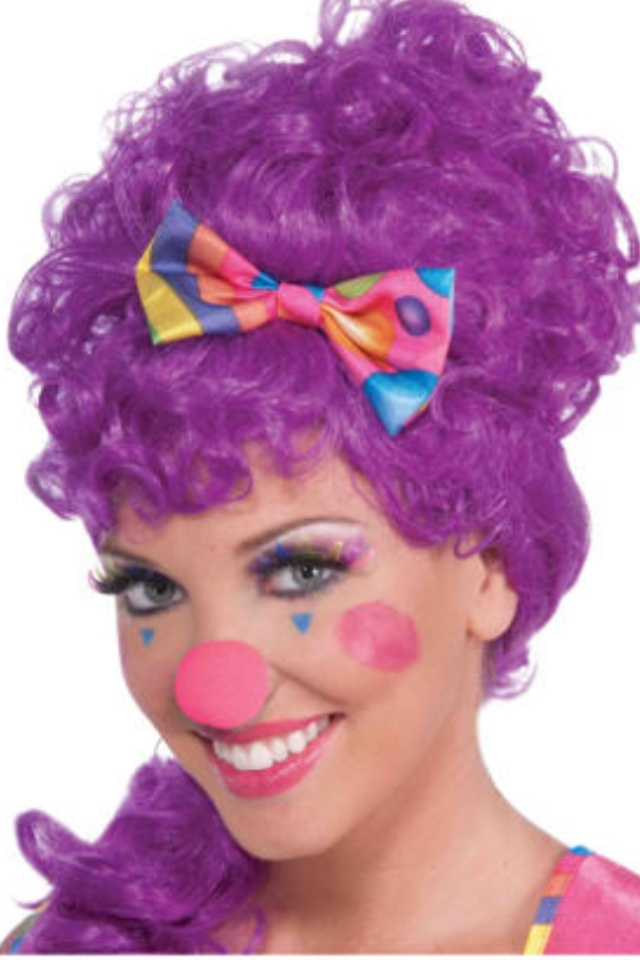 Pretty clown makeup