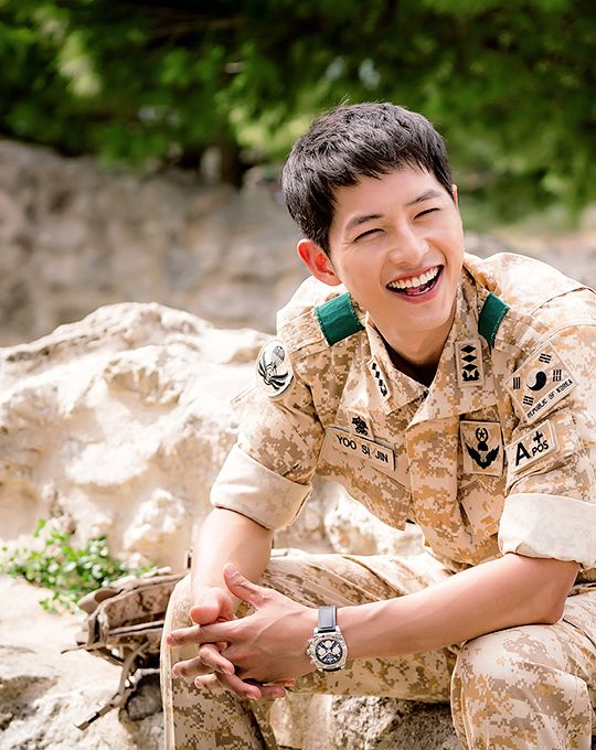 BTS ~ can i take him home? ~ Anyone noticed how his dog tags say blood type O but his band on the uniform says A+ #descendants of the sun #song joong ki