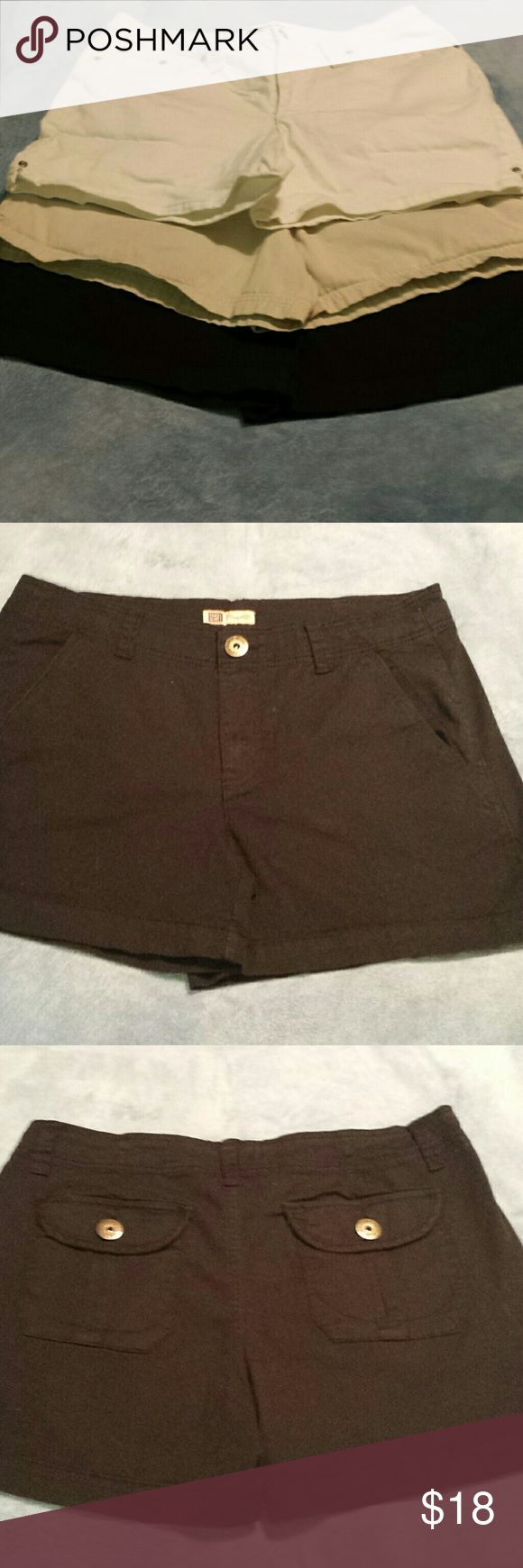 """3 Pairs Size 12 Shorts. Black, White, & Khaki. Bundle of 3 pairs of size 12 women's shorts. All in arein good used condition. No holes or stains. (1) Black """"Faded Glory Stretch"""" shorts. 97% Cotton/3% Spandex. 4"""" Inseam, 10"""" Rise. They aren't faded like they look in pics 2 & 3. They're black like in pics 1 & 8. (2) Light Khaki """"Carolina Blues"""" shorts. 100% Cotton. 3.5"""" Inseam, 13.5"""" Rise. They're """"painter's"""" type as shown in pic 5. (3) White denim """"Faded Glory Stretch"""". 98% Cotton/2% Spandex…"""