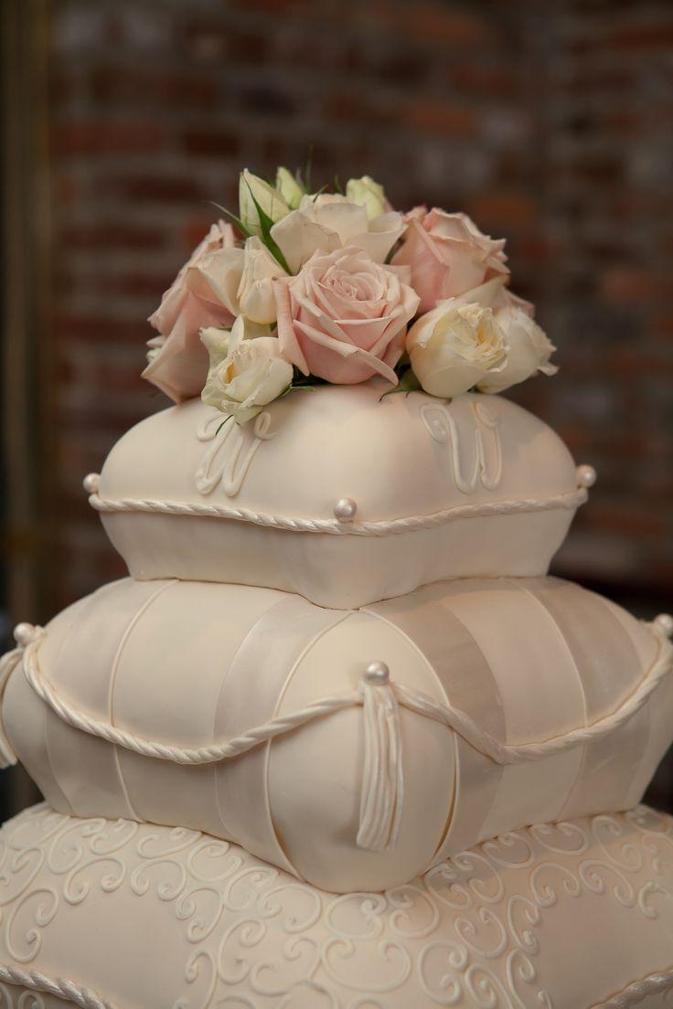 wedding cake cakes pinterest. Black Bedroom Furniture Sets. Home Design Ideas