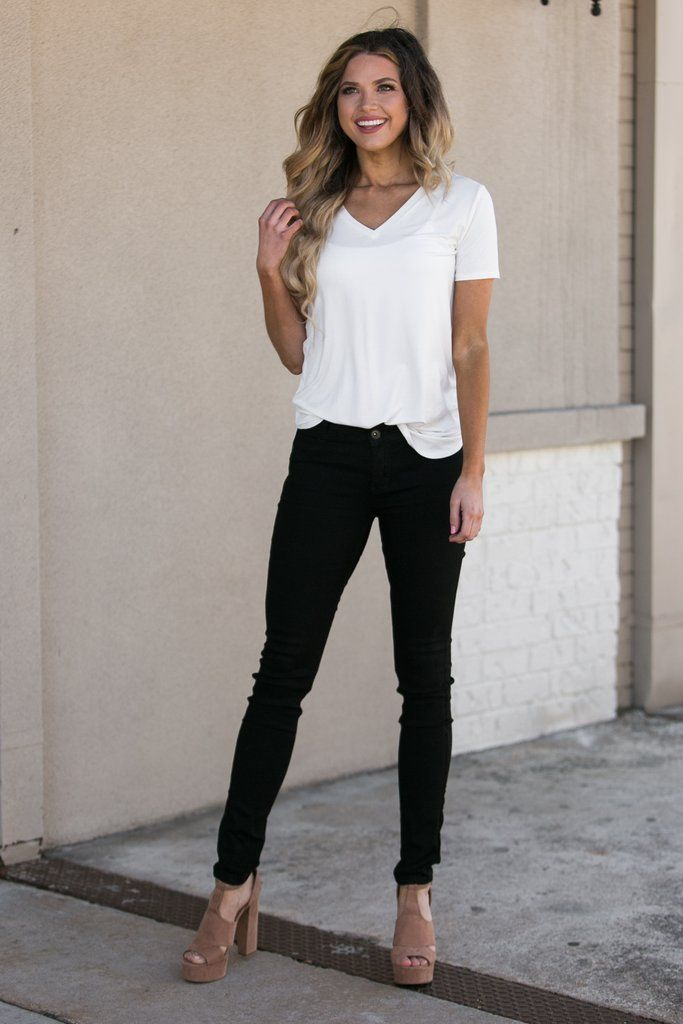 Black Ripped Skinny Jeans Outfit