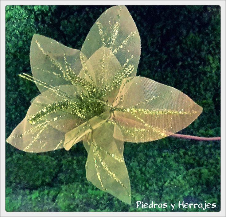 Flor de tull verde  Ref: 485-2084  Tel.511 78 17 Cel.3127994768 Medellín-Colombia  #Medellin #Flores #Flor #Navidad #FlordeNavidad