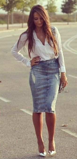 I love this skirt, all of my denim skirts are too wide at the bottom... much prefer a pencil skirt