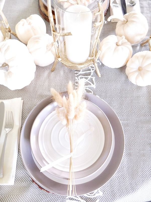 Simple and Elegant Fall Tablescape using a mixture of neutral textures and natural elements