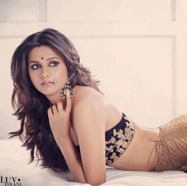 Beautiful Indian Fashion on TV ACtor #Daljeet_Kaur, via @sunjayjk