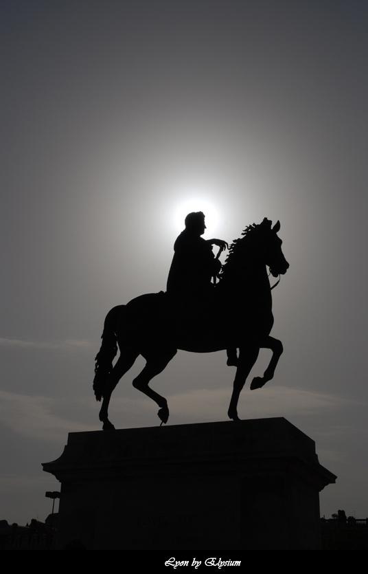 La statue de la Place Bellecour à #Lyon