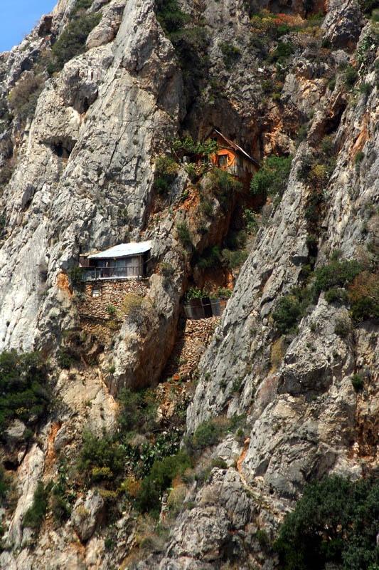 Ermites a l'eremitori de Karoulia, a l'extrem del Mont Athos