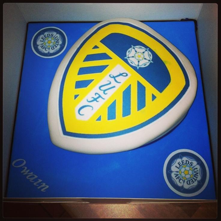Cake Decorating Company Leeds : Leeds United Football Shield Birthday Cake Dylan s ...