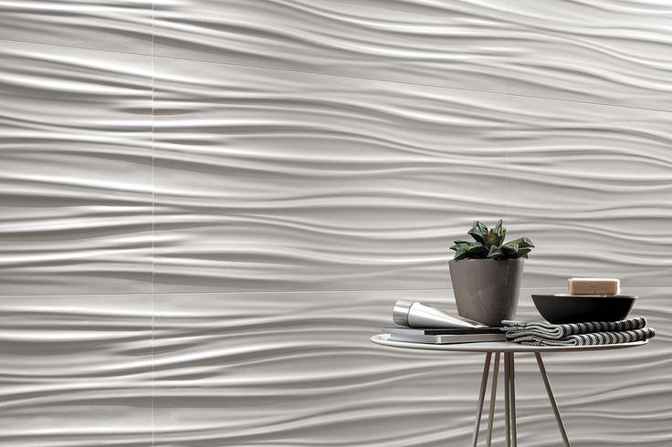 """Da oggi nel negozio online la Serie Atlas Concorde 3D Wall Design """"3D Ribbon White Matt 80"""" 40 x 80 Corpose e dense ondulazioni tridimensionali ricordano soffici drappeggi, chiari e luminosi,animati dai chiaroscuri che ne accentuano il rilievo. I rivestimenti ceramici tridimensionali ispirati a onde morbide e piene creano pareti scenografiche dall'andamento sinuoso che regalano un accento di originalità e dinamismo ad ambienti dallo stile ricercato."""