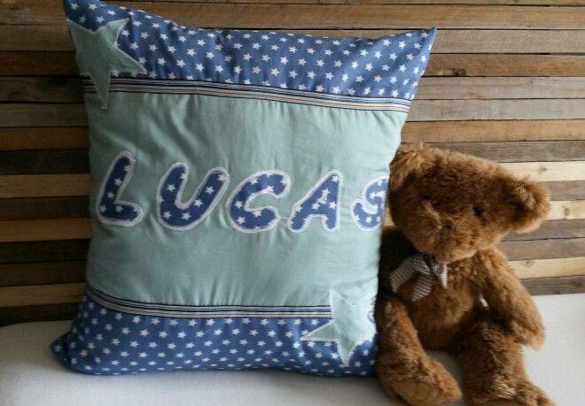 Kussen voor Lucas