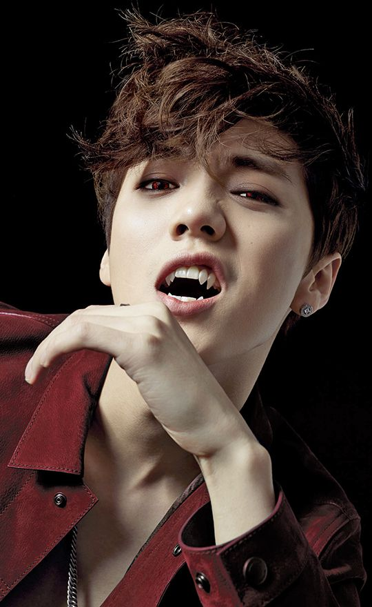 32/∞ edits of my bias : 我是狼 ! Check the Xiumin vampire!au and imagine your own XiuHan story ;p
