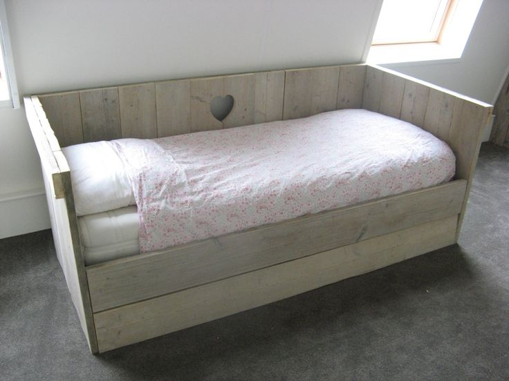 Henk de Wit - Steigerhout bed lambrisering bureau